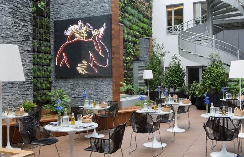 Renaissance Paris Republique - Terrace - 4