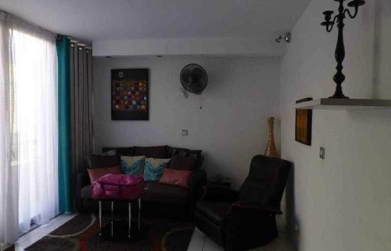 Castille Penthouses - Room - 4