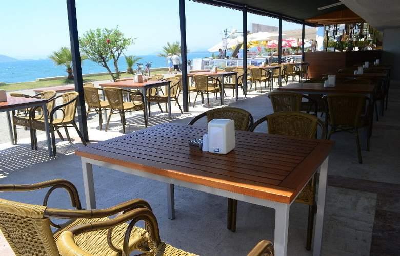 ROSARY BEACH HOTEL - Bar - 3