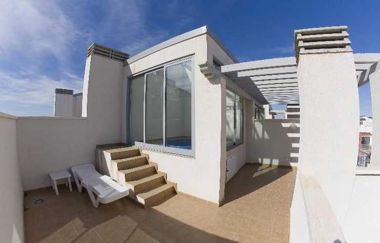 Suite Hotel Puerto Marina - Terrace - 18