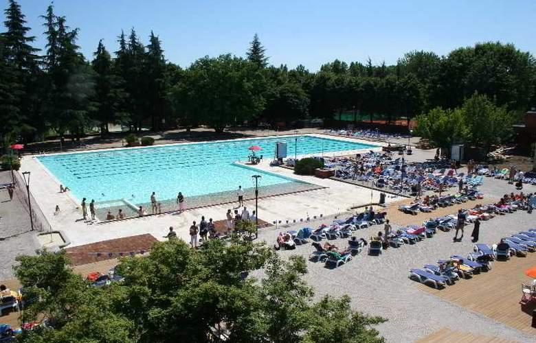 Excel Milano 3 Hotel - Pool - 13