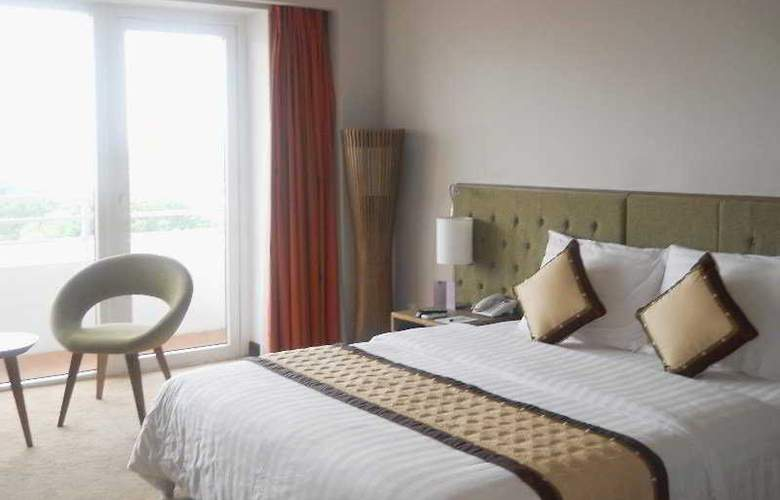 Gerbera Hotel Hue - Room - 5