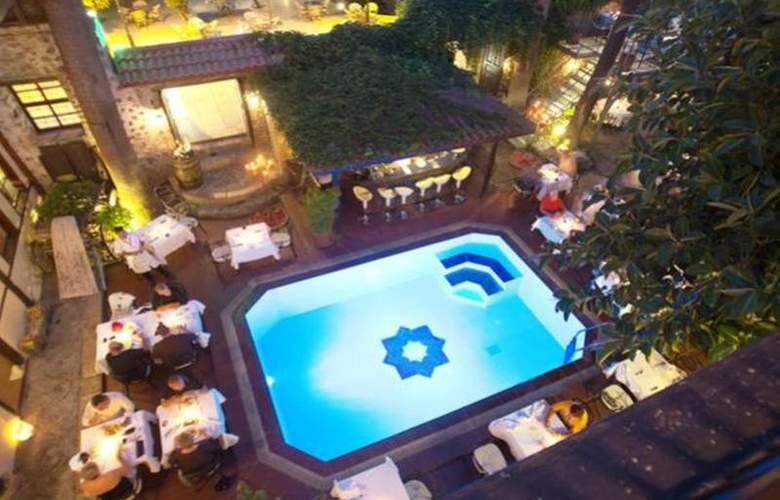 Alp Pasa Hotel - Pool - 47