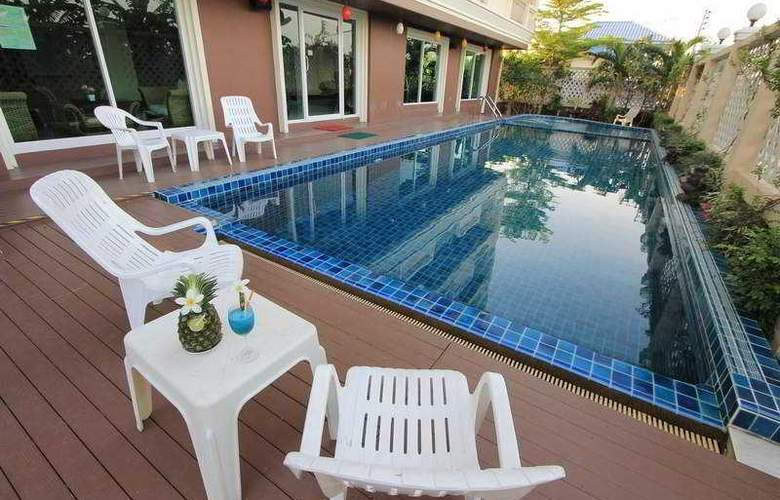 Convenient Grand Hotel Suvarnabhumi - Pool - 8