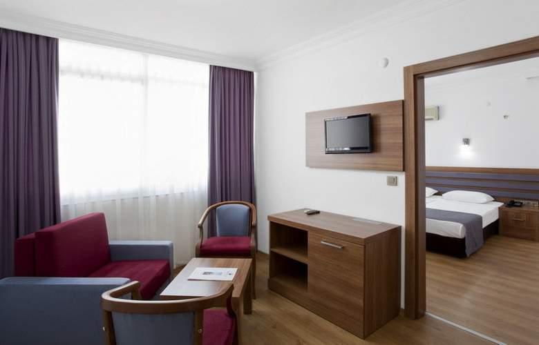Sealine Hotel 3+* - Room - 2