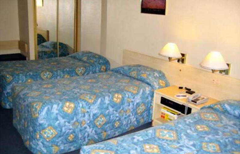DeVere Hotel - Room - 4