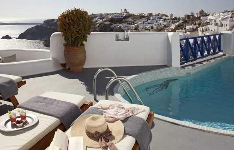 Ikies Hotel - Pool - 2