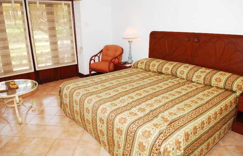 Coconut Grove - Room - 14
