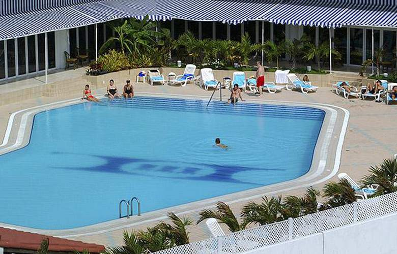Tryp Habana Libre - Pool - 14