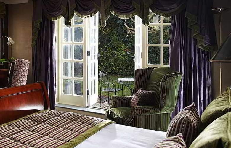 Langshott Manor - Room - 2