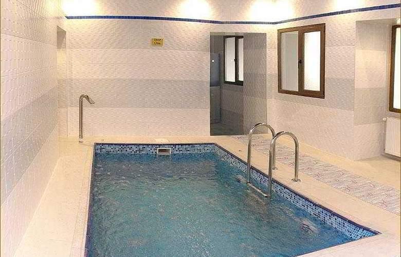 Austin - Pool - 4