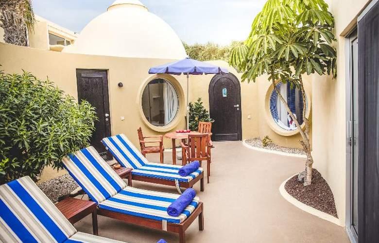 VIK Suite Hotel Risco del Gato - Terrace - 33
