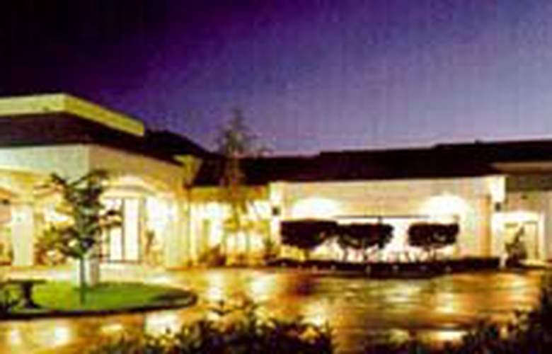 Quality Inn Valley Suites - Hotel - 0