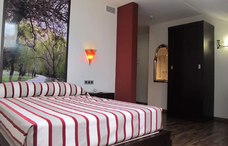 Aznaitin - Hotel - 0