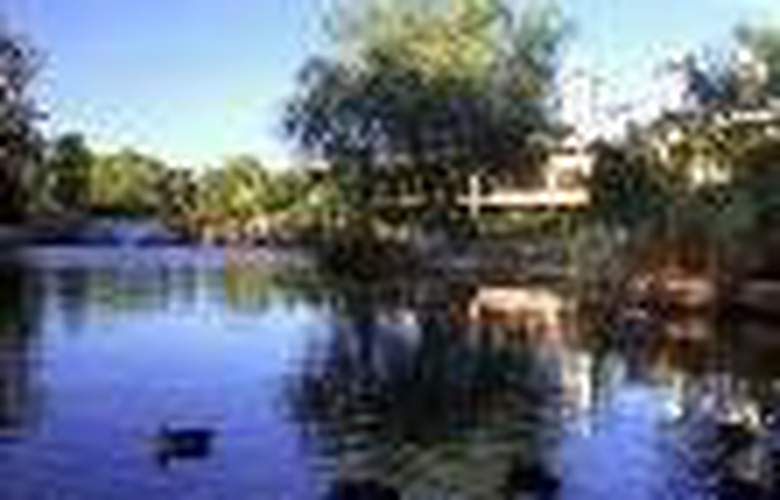 Australis Margaret River - General - 1