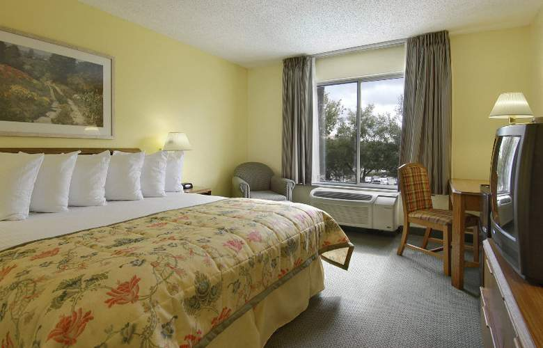 Ramada Orlando Near Convention Center - Room - 3