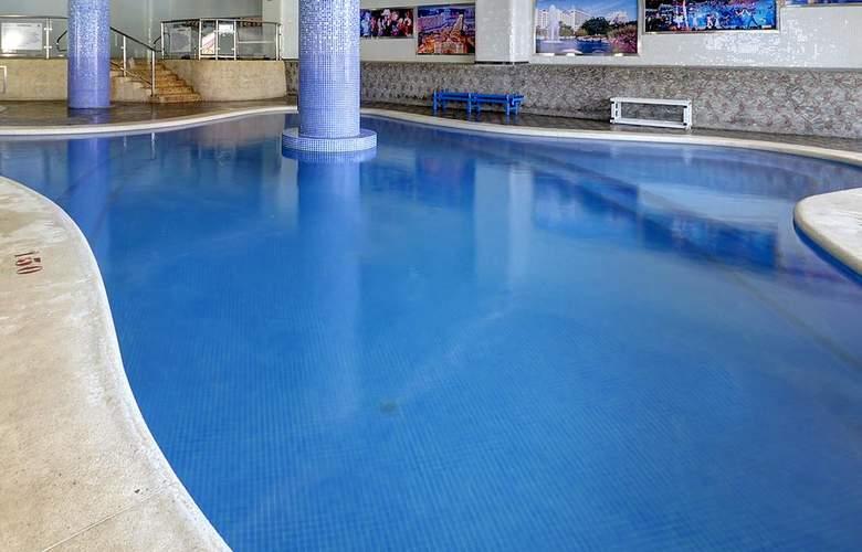 Gran Duque - Pool - 16