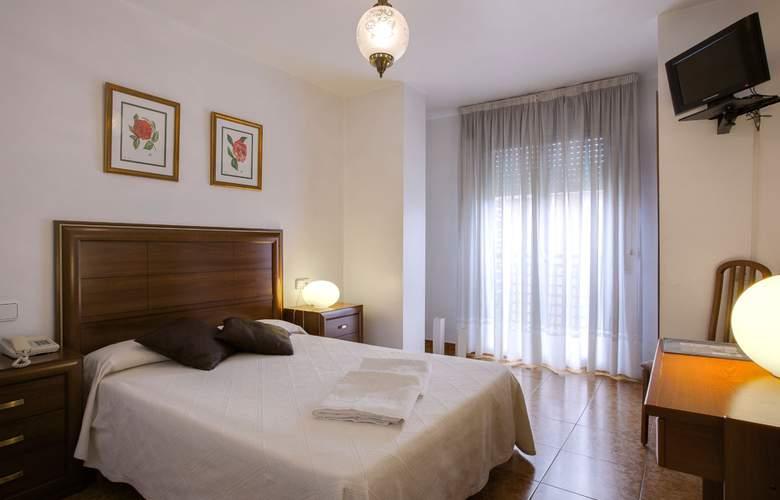 Madrid - Room - 8