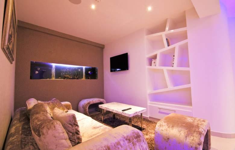Achilleos City Hotel - Room - 10