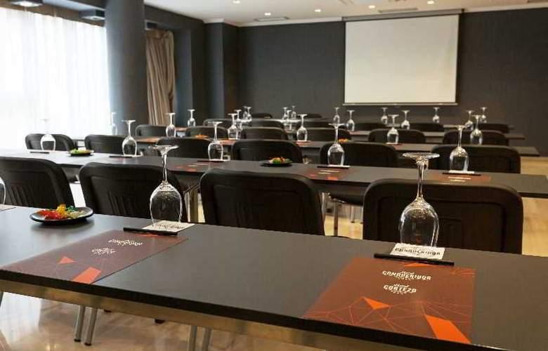 Conqueridor - Conference - 11