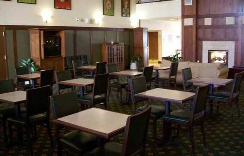 Hampton Inn & Suites Providence Warwick-Airport - Hotel - 7