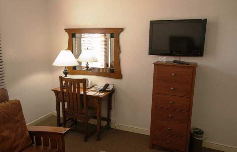 Carmel - Room - 2