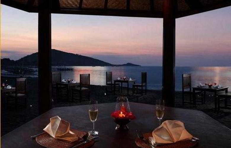Adi Assri Beach Cottages Singaraja - Terrace - 5