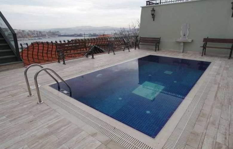 HHK Hotel - Pool - 7