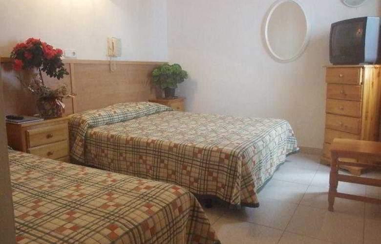 Montserrat - Room - 5