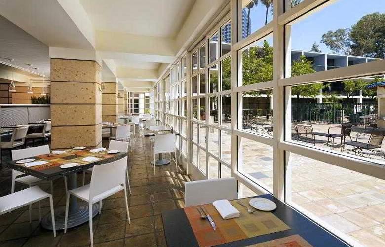 Sheraton Universal - Restaurant - 25