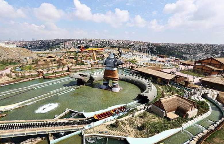 Vialand Palace Amusement Park Hotel - Sport - 14