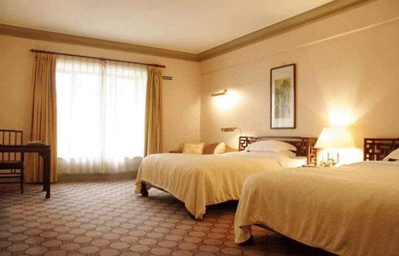 Grand - Room - 4