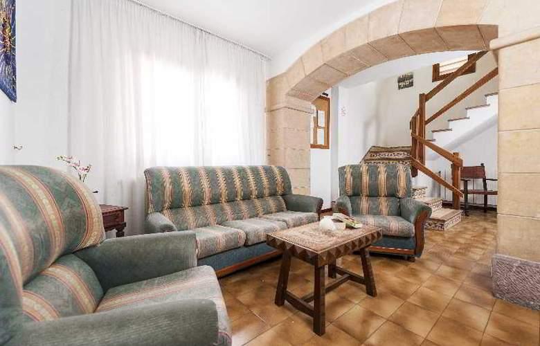 Hostal Casa Bauza - Hotel - 0