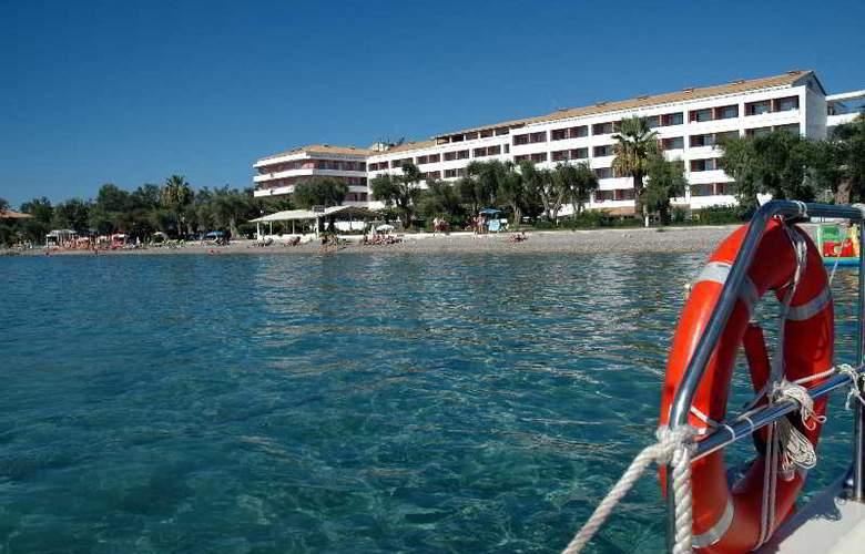 Elea Beach - Hotel - 0