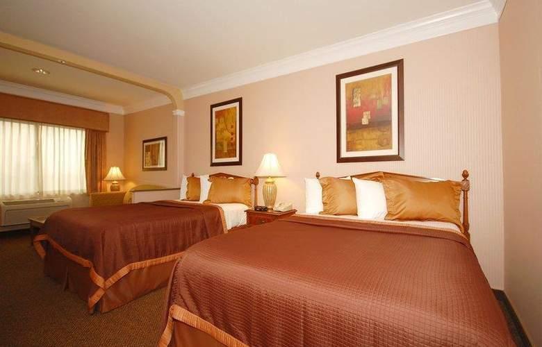 Best Western Plus Suites Hotel - Room - 54