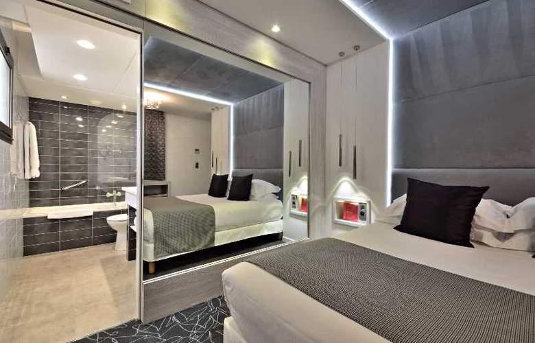 Cezanne - Room - 12