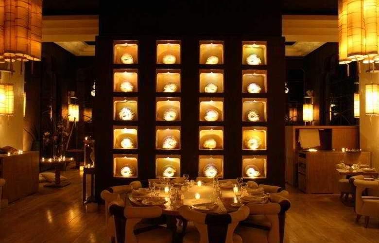 Crystal Hotel - Restaurant - 9