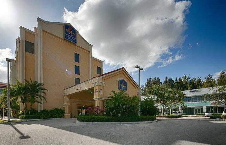 Best Western Plus Kendall Hotel & Suites - Hotel - 26