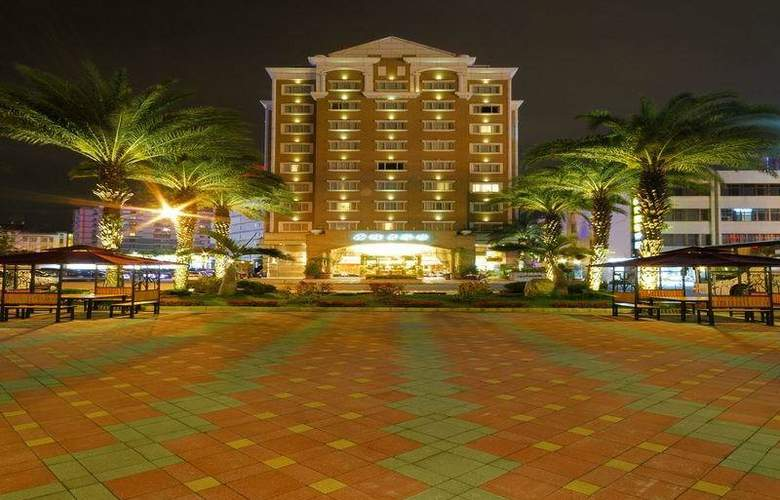 Charming City Hualien - Hotel - 0