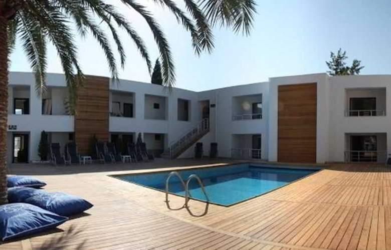 Munamar Beach Resort - Pool - 17