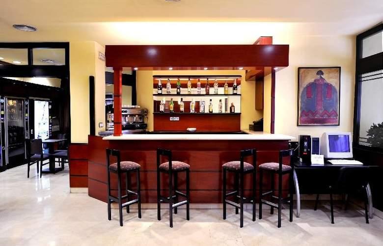 Hotel Glories Sercotel - Bar - 3