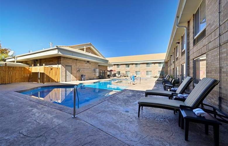 Best Western Denver Southwest - Pool - 65