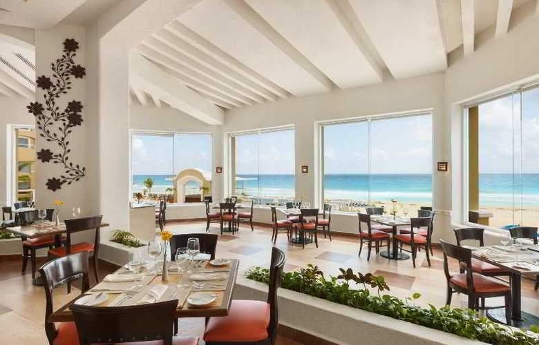 Panama Jack Resorts Gran Caribe Cancun - Restaurant - 32