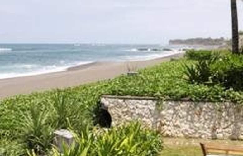 Villa Waringin - Beach - 6