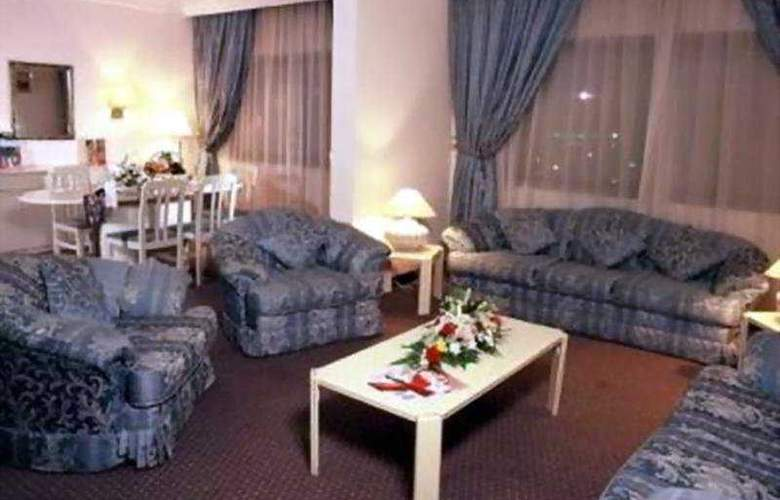 Muscat Holiday - Room - 3