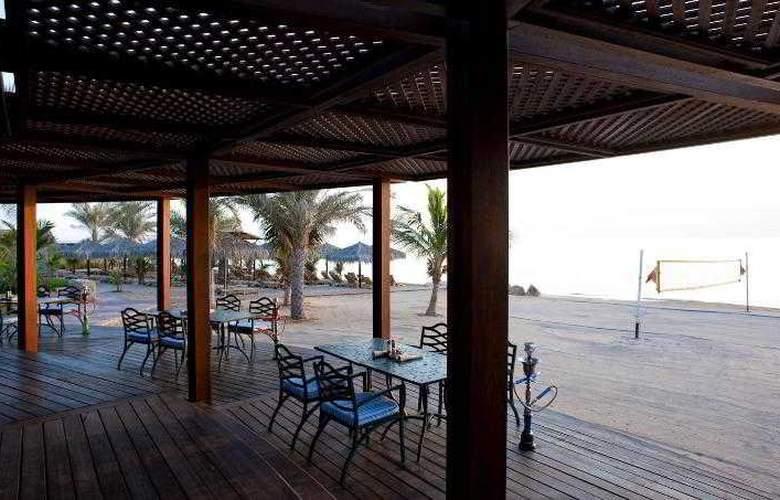 Le Meridien Al Aqah Beach Resort - Bar - 28