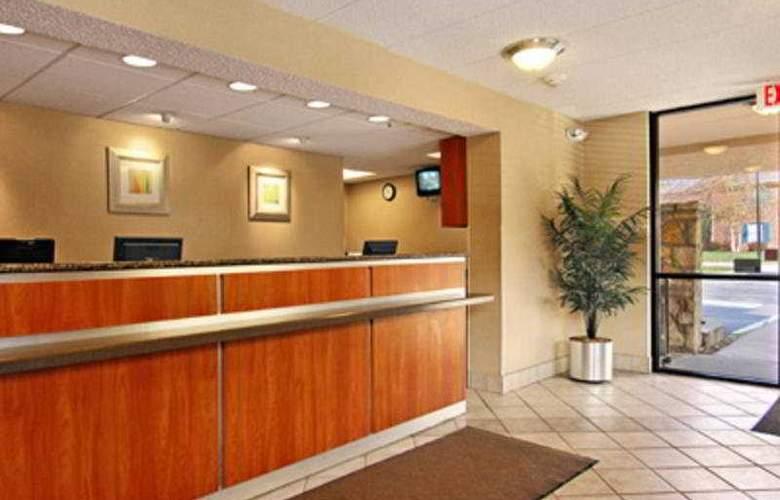 Red Roof Inn Louisville East - General - 3