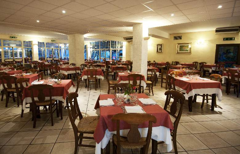 Rocca Dorada - Hotel - 3