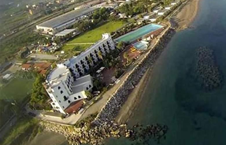 La Playa Club - Hotel - 0