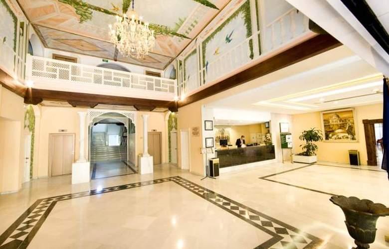 Monarque Sultan Aparthotel - Hotel - 10